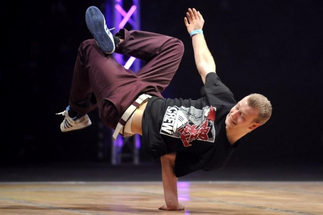 París 2024 abre la puerta olímpica al breakdance — 180.com.uy   Del Sol 99.5 en el Mundial Rusia 2018