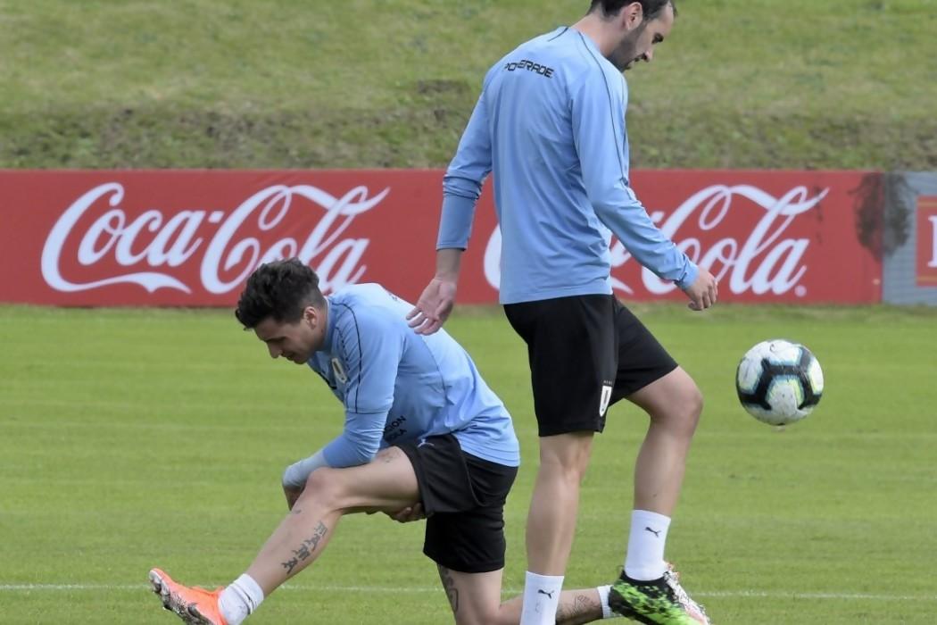 Godín y Giménez vuelven a estar juntos en la defensa celeste — 180.com.uy | Del Sol 99.5 en el Mundial Rusia 2018