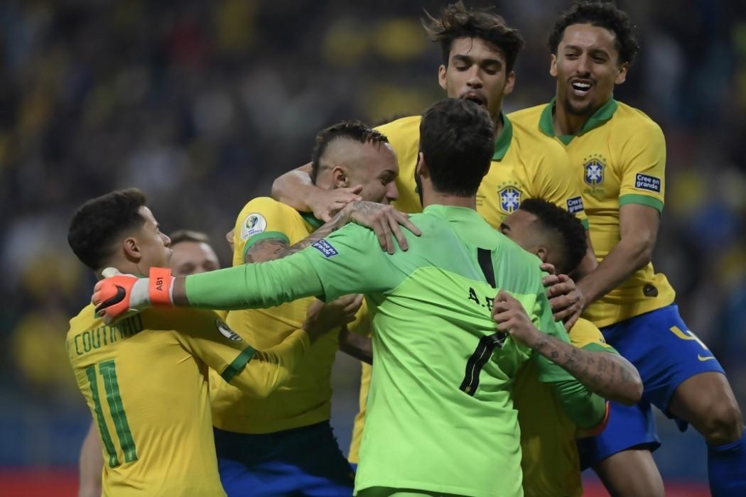 Brasil rompe el maleficio con agónico pase a semis  — 180 | Del Sol 99.5 en el la Copa América 2019
