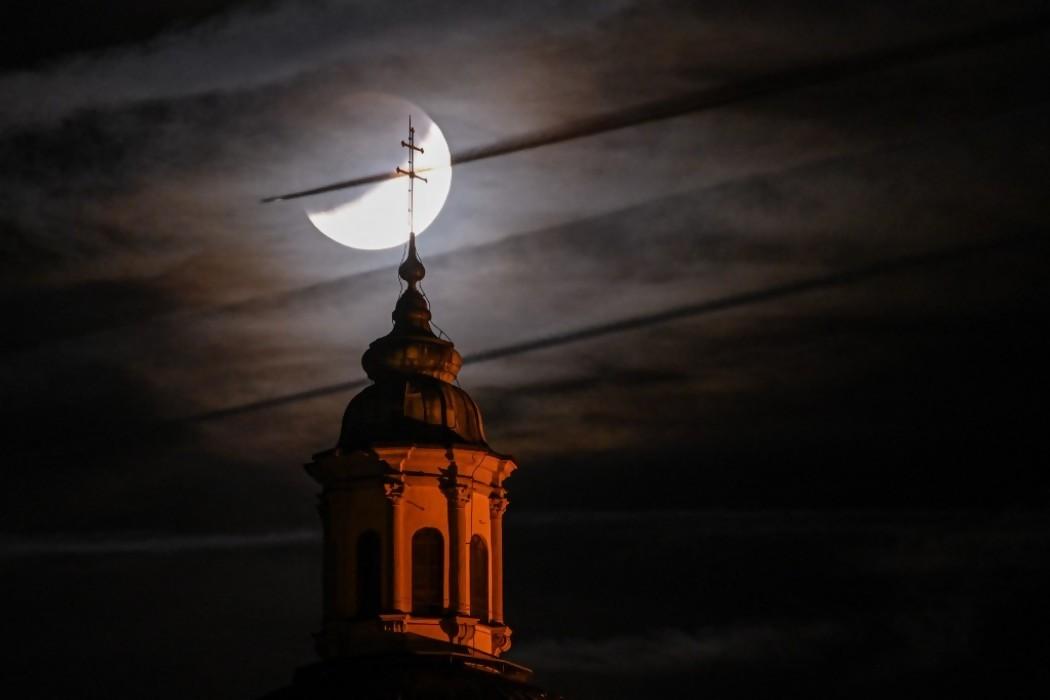 El eclipse lunar en el mundo — 180.com.uy | Del Sol 99.5 en el la Copa América 2019