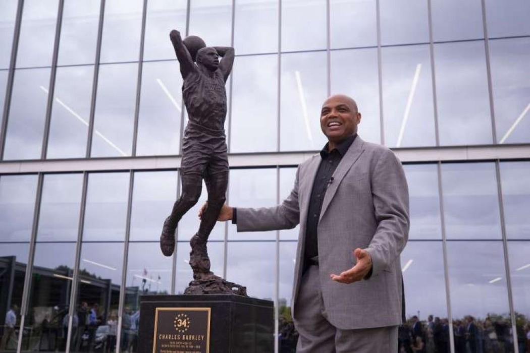 Los Filadelfia 76ers dieron a conocer una estatua de Charles Barkley — 180.com.uy | Del Sol 99.5 en el la Copa América 2019