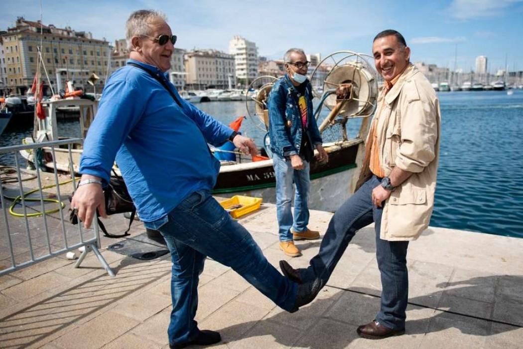 La nostalgia de los abrazos en los países mediterráneos — 180.com.uy | Del Sol 99.5 en el Mundial Rusia 2018