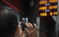 Portal 180 - Dólar sube más de 40% en primer día sin cepo en Argentina