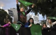 """Portal 180 - """"Pañuelazo"""" verde internacional por el aborto legal en Argentina"""