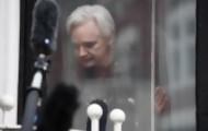 Portal 180 - Ecuador revocó asilo y Assange fue detenido en Londres