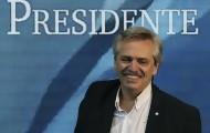 Portal 180 - Fernández asume la Presidencia en una Argentina en crisis