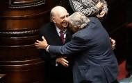 Portal 180 - Mujica y Sanguientti cerraron juntos y con un abrazo un tiempo político que los enfrentó