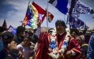 """Portal 180 - Multitudinaria caravana recibe a Morales en Bolivia: """"Evo es como nosotros"""""""
