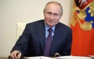 Portal 180 - Putin firma la ley que le permite optar a dos mandatos más en Rusia
