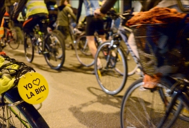 Portal 180 - Proyecto de ley propone peatones sin celular y ciclistas sin auriculares