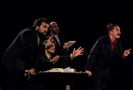 Portal 180 - Pintos: la mente vista como una oficina pública en una obra de humor en La Gringa