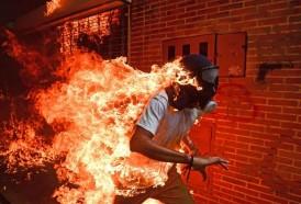 Portal 180 - El joven en llamas, la historia detrás de la mejor foto periodística de 2017