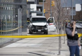 Portal 180 - Una camioneta embiste a una decena de peatones en Toronto