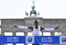 Portal 180 - El keniano Kipchoge rompió el récord mundial de maratón