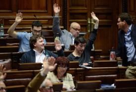 Portal 180 - Con disconformidad interna el Frente Amplio logró aprobar la reforma de la Caja Militar