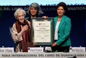 Portal 180 - Ida Vitale agradeció la generosidad de México al recibir premio FIL 2018
