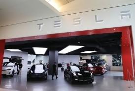 """Portal 180 - Tesla considera desplegar en 2020 """"robotaxis"""" con autoconducción"""