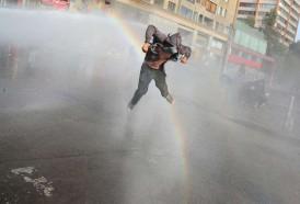 Portal 180 - Duros choques entre manifestantes y agentes a tres meses de crisis en Chile