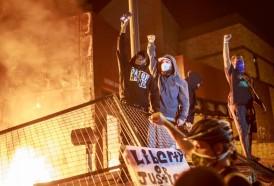 Portal 180 - Crece indignación en EEUU por muerte de hombre negro a manos de la policía
