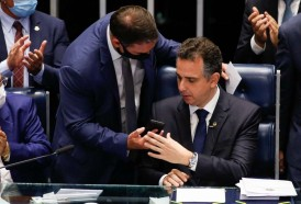 Portal 180 - Aliados de Bolsonaro presidirán ambas cámaras del Congreso brasileño