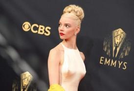 """Portal 180 - Netflix arrasa en los Emmys con """"The Crown"""" y """"Gambito de dama"""""""