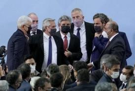 Portal 180 - Fernández relanza su gobierno con nuevo gabinete tras crisis política en Argentina