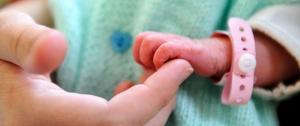 """Portal 180 - Para un recién nacido es un """"disparate"""" esperar dos meses por la familia que lo va a criar"""