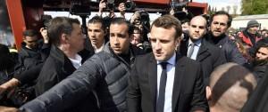 Portal 180 - Colaborador de Macron que golpeó manifestantes inculpado por la justicia