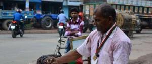 Portal 180 - El combate de un ecologista por salvar los árboles, uno a uno, en Bangladés
