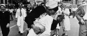 Portal 180 - Murió a los 95 años el marinero de la icónica foto del beso en Nueva York