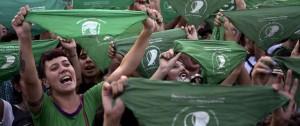 """Portal 180 - """"Pañuelazo"""" por el aborto legal frente al Congreso argentino"""