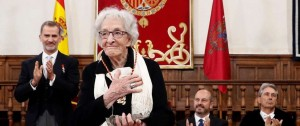 Portal 180 - Las imágenes de la premiación de Ida Vitale con el Cervantes