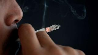 Debate por la cajilla plana de cigarrillos: entre el costo del Estado y comer mollejas | 180