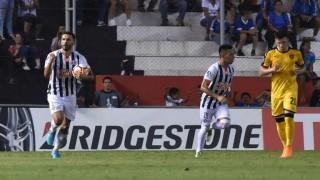 Peñarol se complica solo  | 180