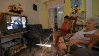 Díaz-Canel promete continuidad a revolución de los Castro en Cuba | 180