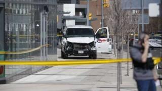 Una camioneta embiste a una decena de peatones en Toronto | 180