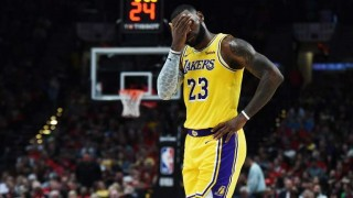 LeBron debutó con derrota en los Lakers | 180