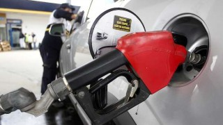 Este martes se normaliza la carga de combustible en todas las estaciones | 180