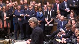 May aplaza la votación sobre el Brexit y volverá a discutir con Bruselas | 180