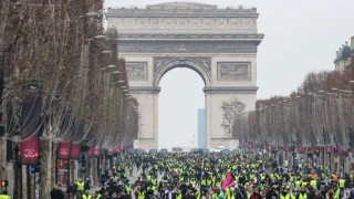 Menor convocatoria en quinta semana de protestas en Francia | 180