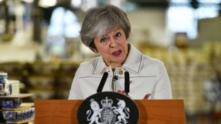 Theresa May lucha por salvar su condenado acuerdo de Brexit | 180