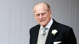 El príncipe Felipe, de 97 años, volvió a manejar pero sin cinturón de seguridad | 180