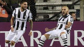 Wanderers le ganó 2-0 a Sport Huancayo  | 180