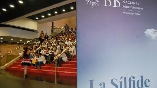 Un aplauso para los de blanco: escuelas rurales y el Ballet del Sodre | 180