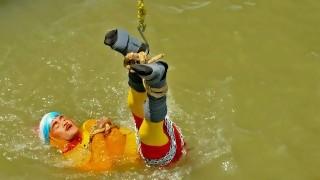 Un mago indio desaparece en el Ganges en un acto de ilusionismo | 180
