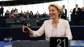 La conservadora Von der Leyen, confirmada por la mínima como presidenta de la Comisión Europea | 180