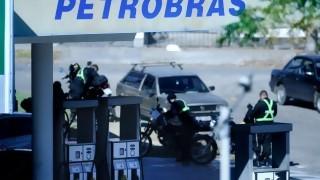 Gobierno acuerda retiro de Petrobras y asume sus servicios | 180