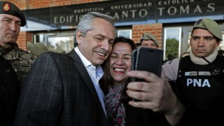 Alberto Fernández descarta default o reestructuración de deuda argentina | 180