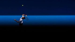 Federer salva siete puntos de partido y está en semis de Australia | 180