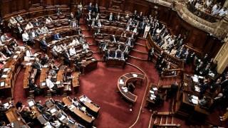 La reglamentación del derecho a reunión y la polémica por el control | 180